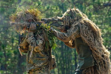 Best Ghillie Suits for Bowhunting