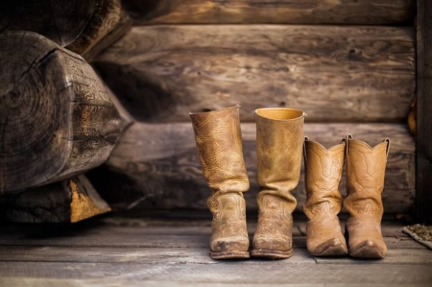 What Type of Boots Help Minimize Human Scent